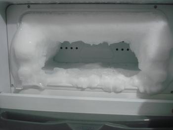 冷凍庫についた霜